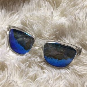 Accessories - ✨NWT✨ Blue and Clear UV Unisex Sunglasses